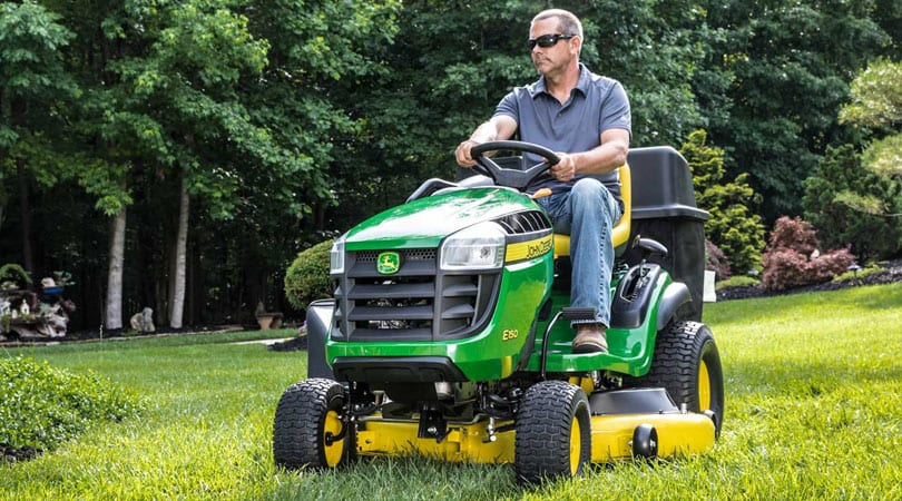 Your-Guide-to-Buying-Lawn-Care-Equipment